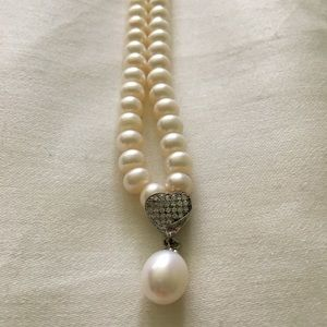 Jewelry - Indian pearl necklace